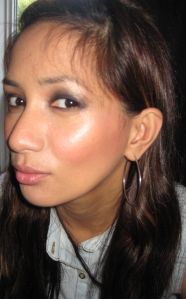 smoky eye JLo glow